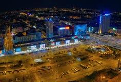 Воздушный панорамный взгляд на Варшаве городской к ноча, от вершины дворца культуры и науки, Варшава, Польша Стоковая Фотография