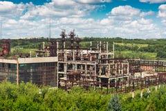 Воздушный панорамный взгляд старых промышленных покинутых фабрики или завода Стоковая Фотография RF