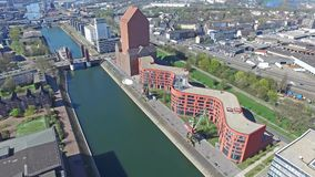 Воздушный промежуток времени внутренней гавани Дуйсбурга сток-видео