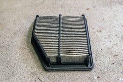 Воздушный фильтр автомобиля пакостный Стоковая Фотография