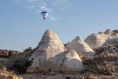 Воздушный шар в Cappadocia Турции Стоковые Фотографии RF