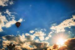 Воздушный шар захода солнца Стоковое фото RF