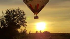 Воздушный шар на заходе солнца Стоковые Изображения RF