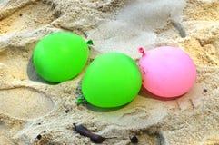 Воздушный шар на пляже Стоковое Изображение RF