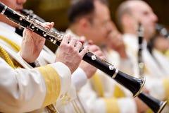 Воинская форма оркестра во время концерта Стоковые Изображения RF