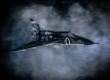 Воинские военный самолёт летая в облака стоковая фотография