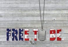Воинские регистрационные номера собаки с патриотической цитатой Стоковая Фотография RF