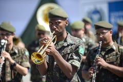 воинский гражданский парад празднуя независимость Бразилии стоковые фото