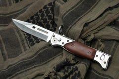 Воинский нож на SHEMAGH Стоковая Фотография