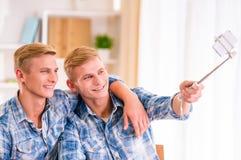 2 двойных мальчика Стоковые Фотографии RF