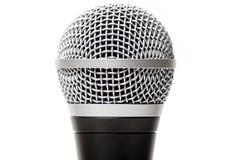 Вокальный вверх изолированный конец микрофона стоковые фото