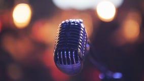 Вокальный микрофон в ночном клубе Стоковое Фото