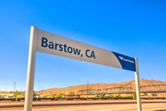 Вокзал Barstow знака Amtrak стоковая фотография