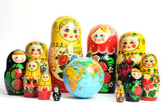 вокруг мира куклы русского белого Стоковое Изображение
