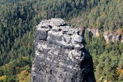 Вокруг brana Pravcicka, памятник утеса Богемская Швейцария, Hrensko, чехия стоковое фото rf