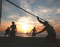 волейбол захода солнца 6 пляжей Стоковое Фото