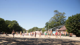 Волейбол игры людей стоковые фото