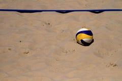 волейбол пляжа шарика Стоковое Изображение