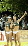 волейбол сестер nystrom пляжа Стоковые Фото