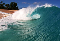 волна берега океана Гавайских островов пляжа Стоковая Фотография