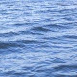 Волна воды в тропическом море стоковое фото rf