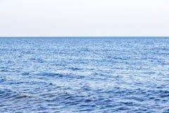 Волна воды в тропическом море стоковое изображение rf
