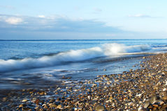 волна прибоя береговой линии утесистая сценарная Стоковые Изображения RF