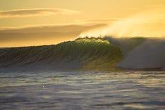 волна утра цвета разбивая Стоковая Фотография
