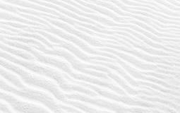 Волнистая текстура белого песка Абстрактное фоновое изображение Стоковое Фото