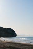 Волны ломая на пляже Калифорния стоковое изображение