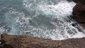 Волны моря вида с воздуха и фантастическое скалистое побережье, Черногория акции видеоматериалы