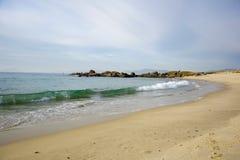 Волны на песчаном пляже Samil в Виго, Виго, Галиции, Испании Стоковое Изображение