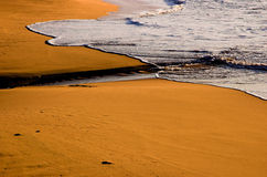 волны рассвета пляжа Стоковая Фотография RF