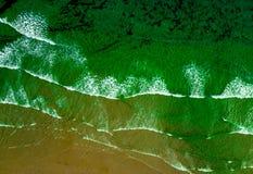 Волны снятые от трутня стоковое изображение rf
