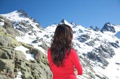 Волосы женщины на горе снежка Стоковое Фото
