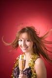 волосы стекла девушки летания шампанского жизнерадостные Стоковые Фото