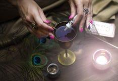 Волшебное зелье колдовство Волшебное qure shaman Стоковые Фото