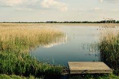 Волшебное раздумье озера и расслабляющее изображение Стоковое Фото