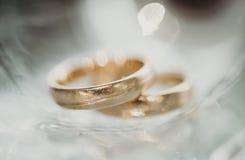 Волшебные кольца, истинная влюбленность стоковые фотографии rf