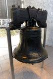 Вольность колокол на моле независимости в Филадельфии стоковые изображения rf