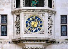 вольность часов стоковые изображения rf