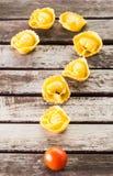 Вопросительный знак сделанный с макаронными изделиями Стоковая Фотография RF