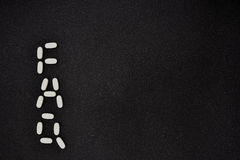 Вопросы и ответы; вопросы и ответы на черной предпосылке Стоковые Фото