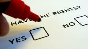 Вопрос прав человека, вопросник с флажками сток-видео