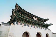 Ворота Gwanghwamun дворца Gyeongbokgung в Сеуле, Корее стоковые изображения rf