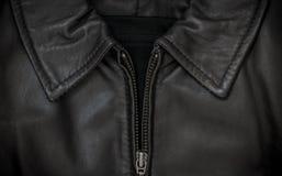 Воротник и застежка-молния кожаной куртки Стоковые Фотографии RF