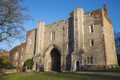 Ворот аббатства в Сент-Олбансе стоковые изображения rf