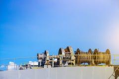 Ворот зачаливания на корабле палубы стоковая фотография rf