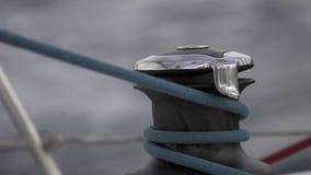 Ворот и веревочка на замедленном движении сосуда плавания акции видеоматериалы