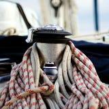 Ворот и веревочки на яхте Стоковые Фото